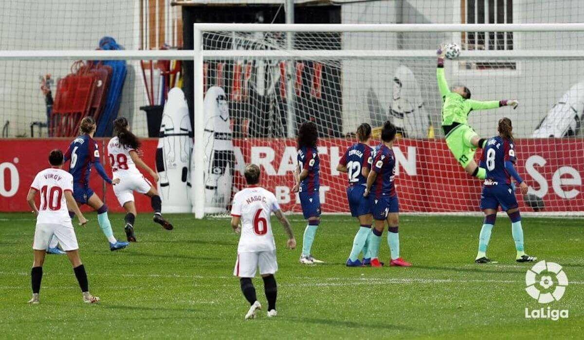 Levante, Sevilla, Primera División femenina de fútbol